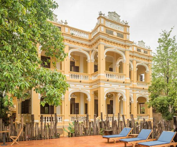 Le Relais de Chhlong facade