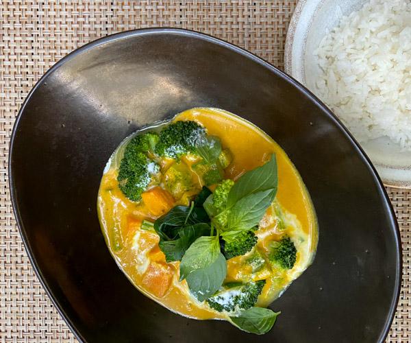 Shinta Mani Angkor vegan yellow curry