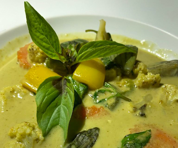 omme vegan green curry